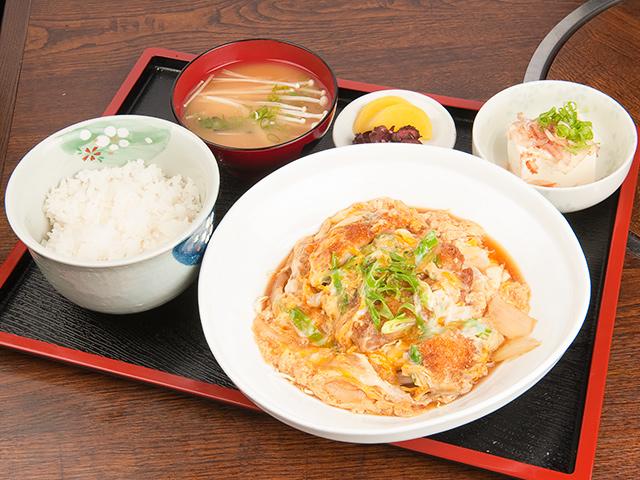 カツ玉弁当(味噌汁付き)