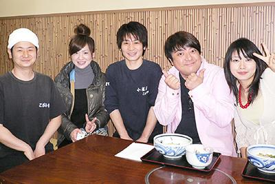 テレビ大阪「みみヨリぃ!?」の取材で黒門店を訪れた彦摩呂さん