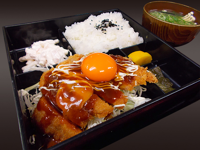 ソースカツ弁当(味噌汁付き)